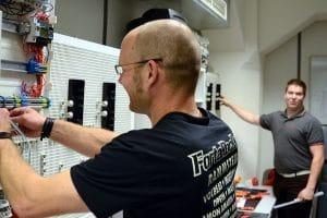 Ausbildung Elektroniker 03 by Braintop Fortbildung Weiterbildung Ausbildung in Köln